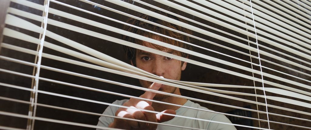 "Andrew Garfield klarer Hitchcock-Referenz in ""Under the Silver Lake"" © Weltkino"