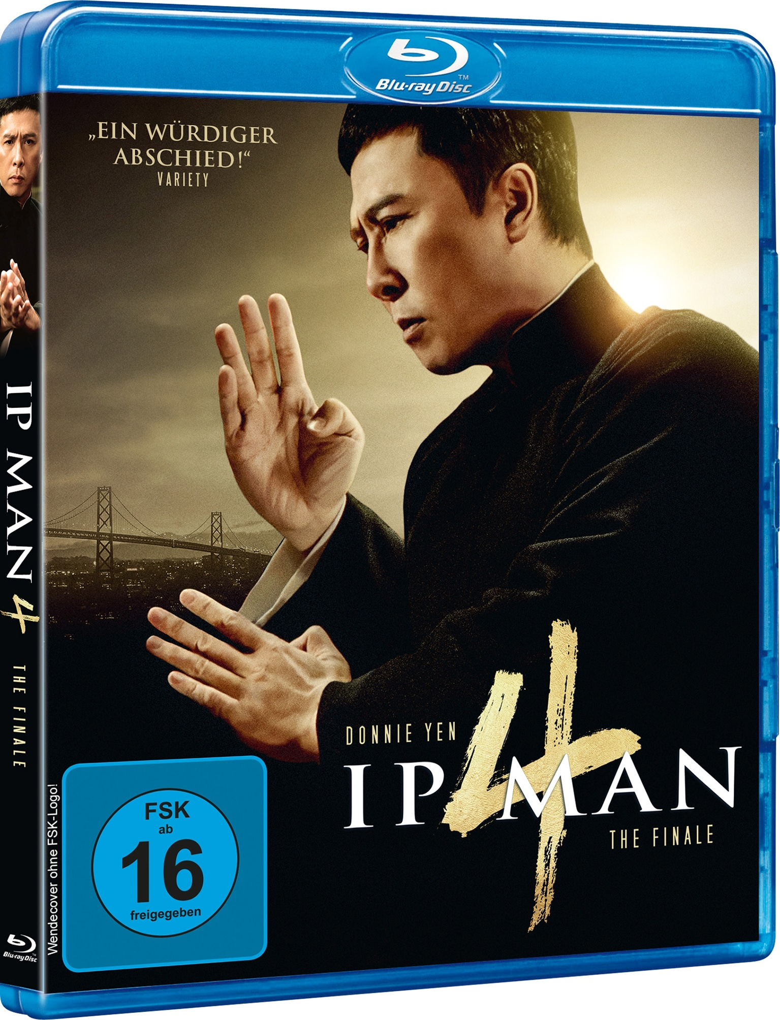 Das Blu-ray Cover von Ip Man 4: The Finale zeigt Donnie Yen in der Titelrolle des Ip Man. Er trägt traditionelle chinesische Kleidung und steht in kampfbereiter Pose.