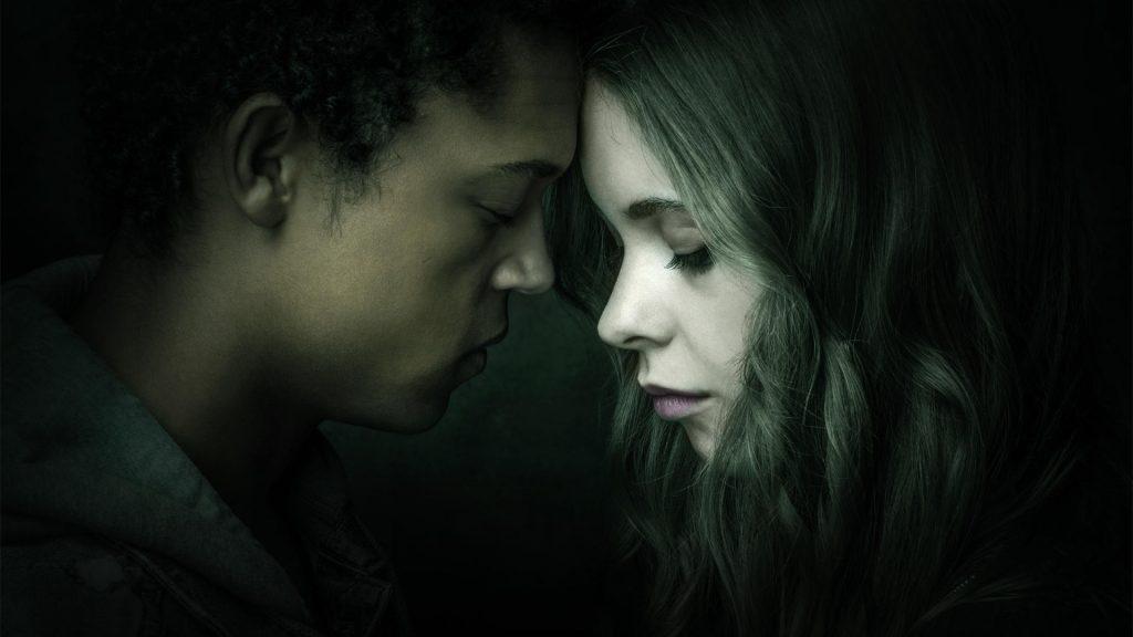 "Sorcha Groundsell als June und Percelle Ascott als Harry in ""The Innocents"" © Netflix"
