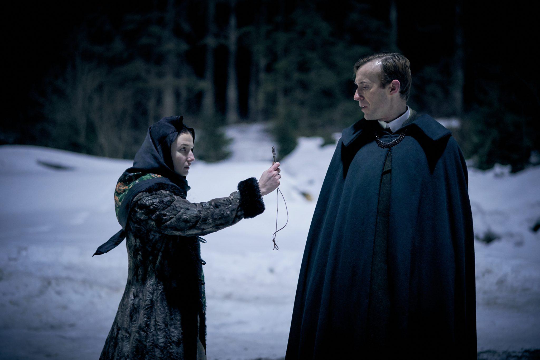 John Heffernan kommt zu Dracula als Anwalt