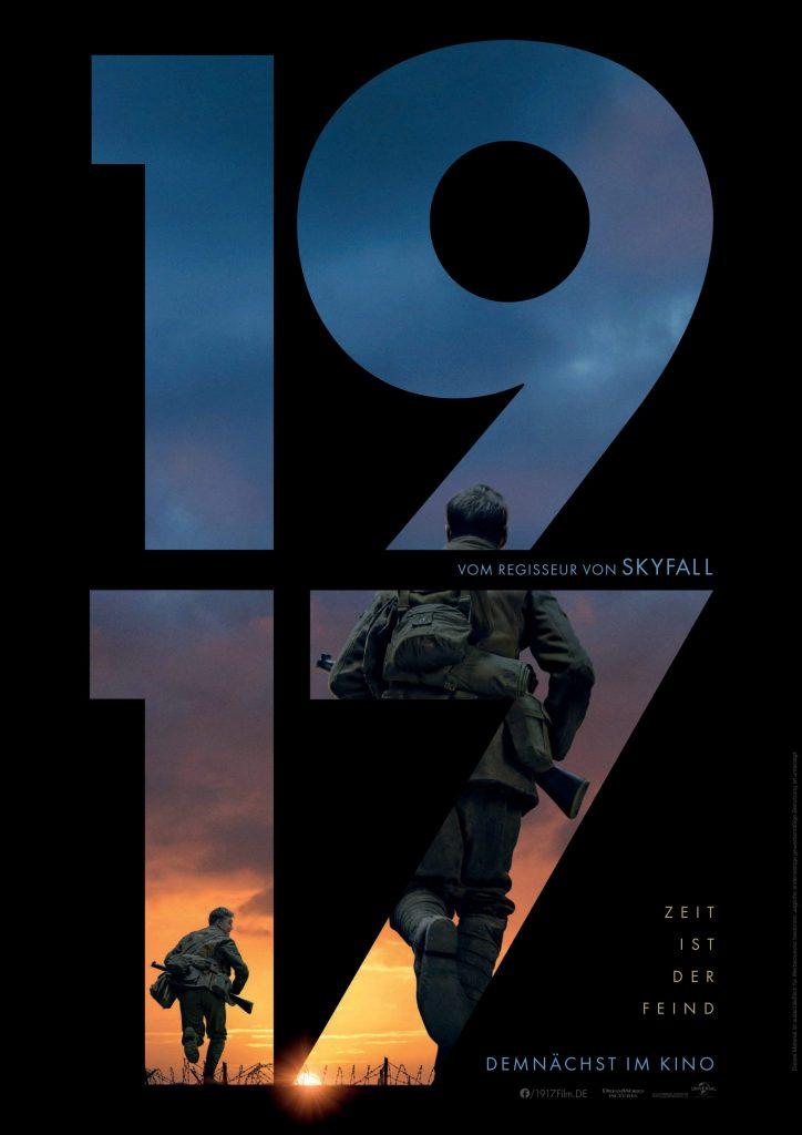 """Auf diesem offiziellen Filmposter zu 1917 sind die Zahlen """"1917"""" groß geschrieben. Das Bild ist schwarz, nur durch die Zahlen erkennt man zwei Soldaten die auf den Horizont zurennen."""