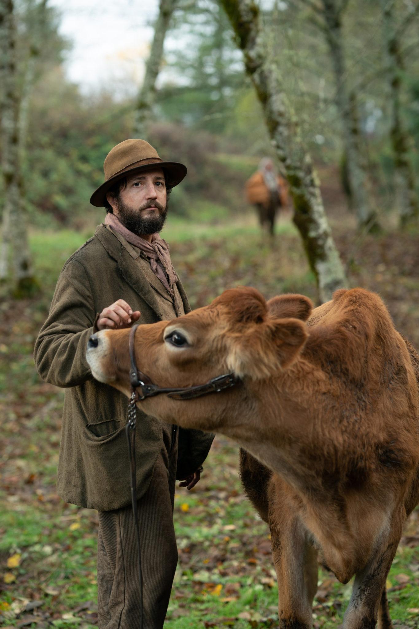 John Magaro versteht sich gut mit dem Tier in First Cow
