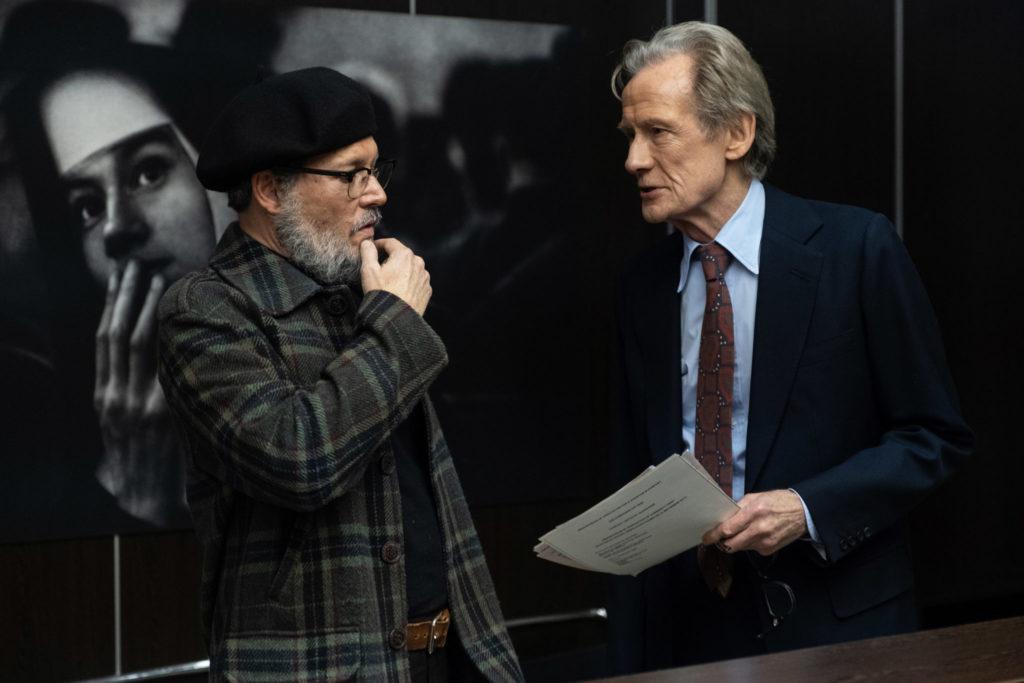 Smith versucht seinen Chef (Bill Nighy) von seinem Vorhaben zu überzeugen in Minamata © Larry Horricks / HanWay Films