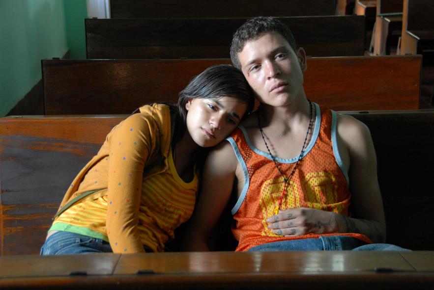 Dem ungleichen Paar sind auf ihrer Flucht in ein besseres Leben nur wenige Momente der Ruhe gegönnt | SIN NOMBRE ©EuroVideo Medien GmbH