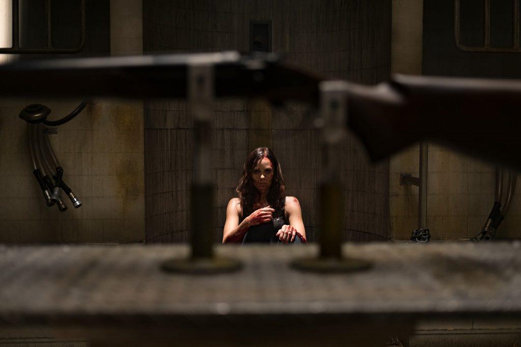 Laura Vandervoort in Jigsaw