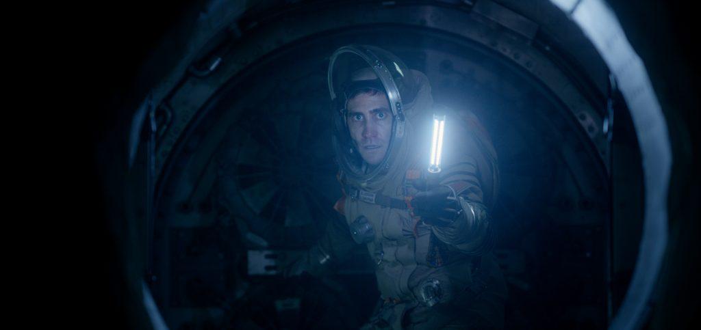 "Gake Gyllenhaal as ""David Jordan"" in ""Life"""