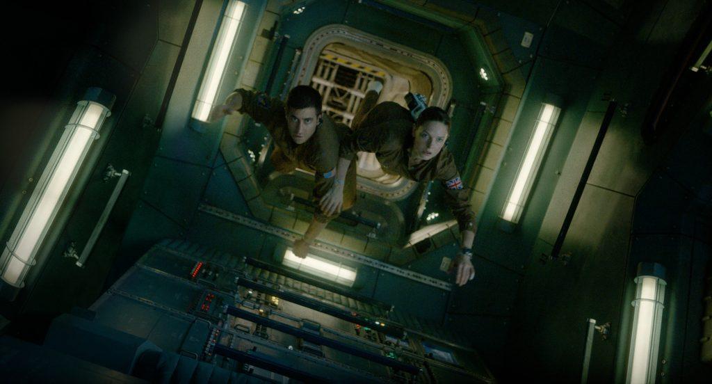 "Jake Gyllenhaal & Rebecca Ferguson as ""David Jordan"" & ""Miranda North"" in ""Life"""