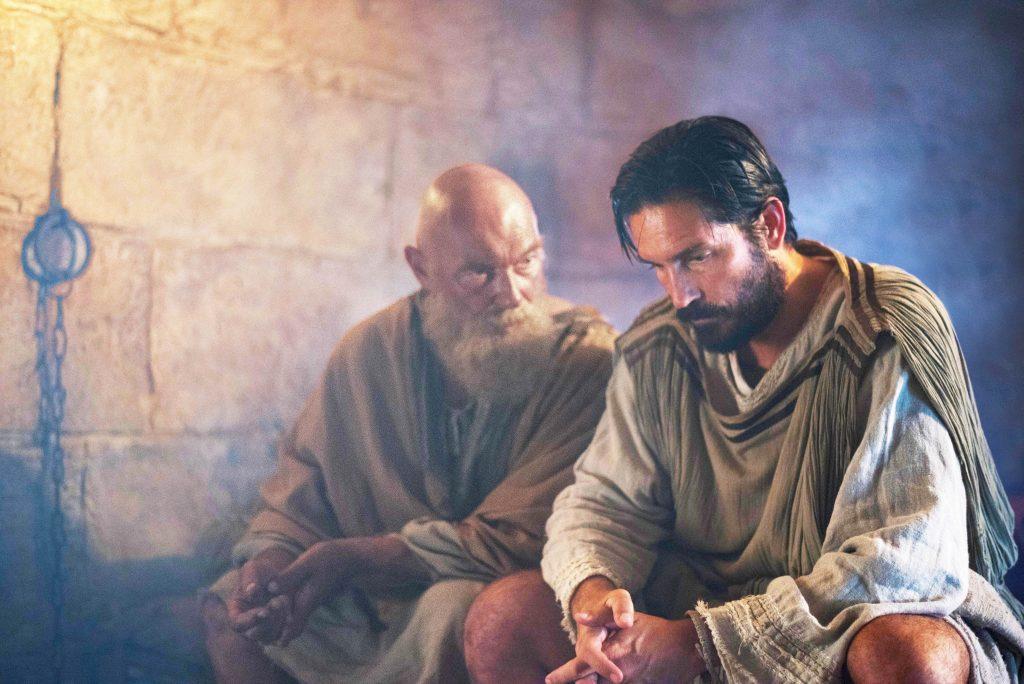 "Paulus (James Faulkner) und Lukas (Jim Caviezel) in ""Paulus, der Apostel Christi"" © Sony Pictures"