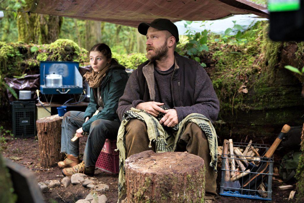 Will (Ben Foster) und Tom (Thomasin McKenzie) in ihrer Unterkunft im Wald in Leave No Trace. © 2018 My Abandonment, LLC. All Rights Reserved.