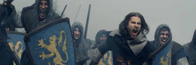 Soldaten ziehen schreiend und mit gezogenen Schwertern in die Schlacht, König der Krieger ©Tiberius Film