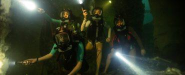 Die Mädchen aus 47 Meters Down: Uncaged erforschen die Unterwasserstadt