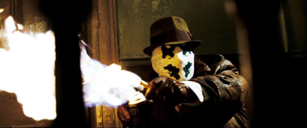 Rorschach baut sich einen Flammenwerfer aus einem Feuerzeug und einer Deodose | Watchmen - Die Wächter