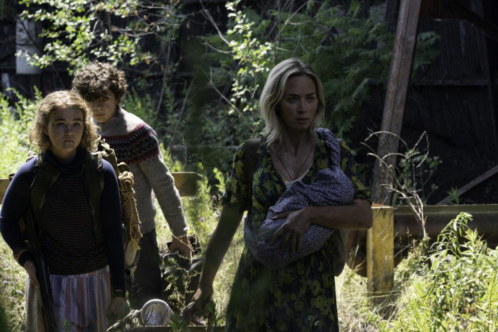 Evelyn (Emily Blunt) mit ihren Kindern in A Quiet Place 2