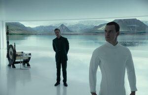 Ein Gespräch zwischen Michael Fassbender und Guy Pearce in Alien: Covenant