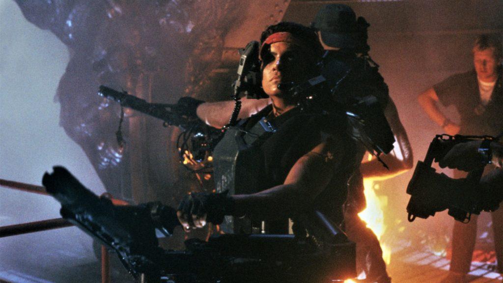 Die Marines in Aliens - Die Rückkehr sind mit ihren schweren Geschützen bis an die Zähne bewaffnet.