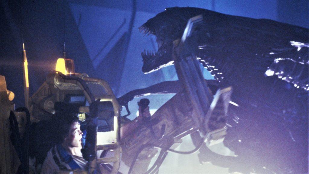 Ripley (Sigourney Weaver) kämpft in einem Lastenheber gegen die Alien Königin.