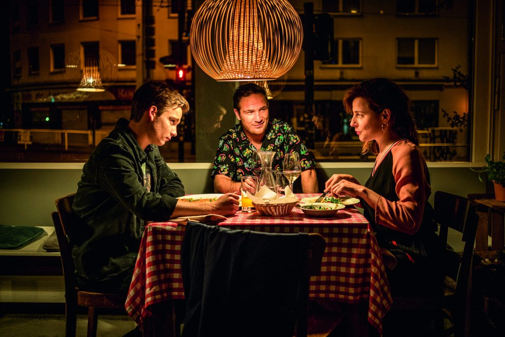 Antje Traue, Frederick Lau, Mateo Wansing-Lorrio in Spielmacher