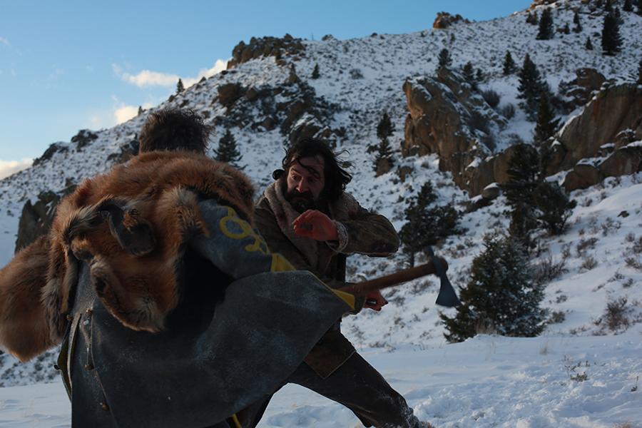Hollis und Everett Ransom kämpfen im Schnee auf Leben und Tod, Any Bullet Will Do