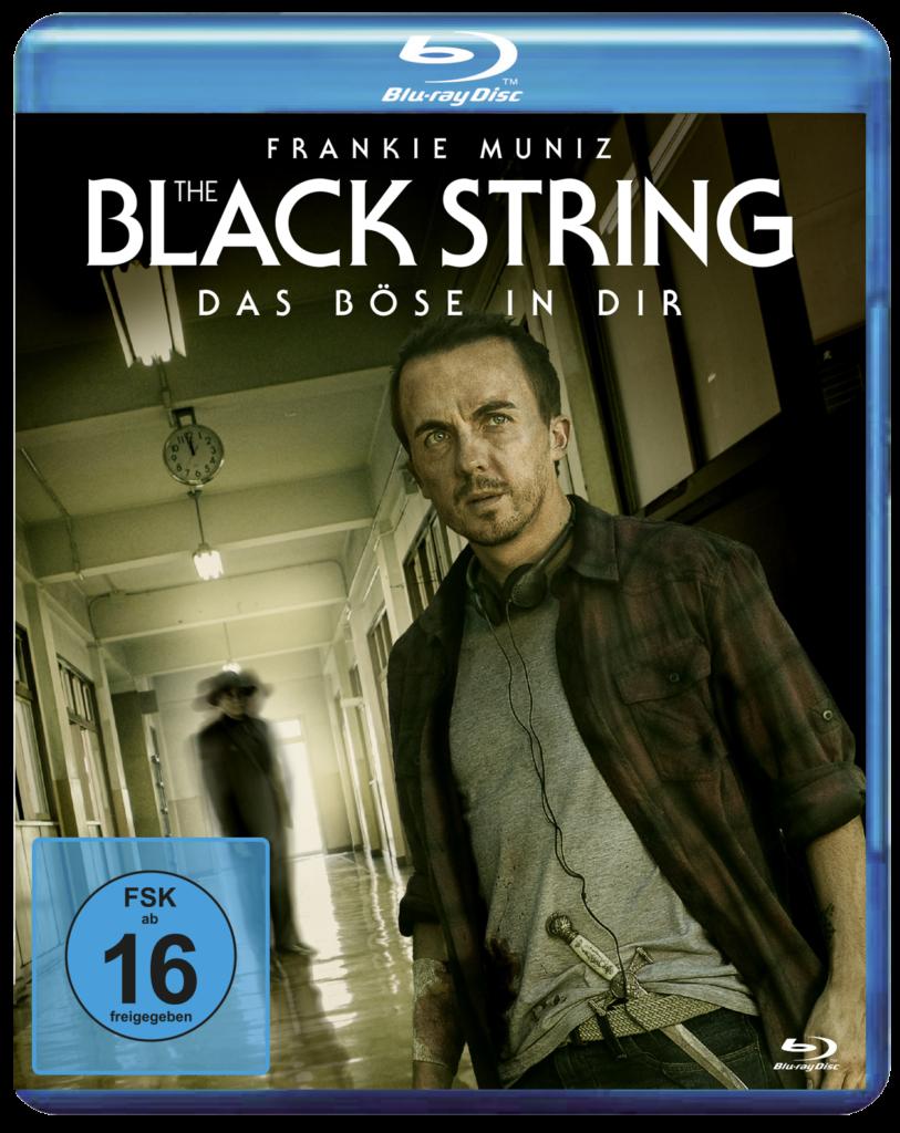 Das Blu-ray-Cover von The Black String zeigt Jonathan in einem Gang, im Hintergrund eine undeutliche Gestalt.