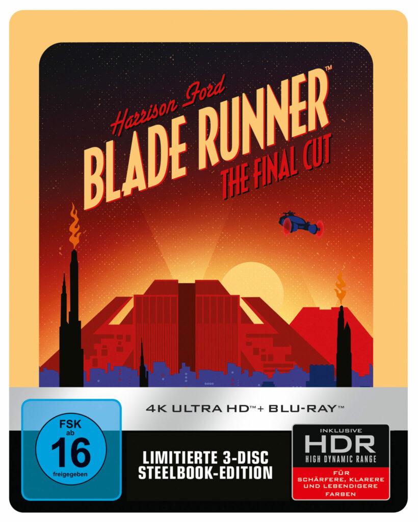 Unter dem Titelschriftzug des Pop-Art Covers fliegt ein Fahrzeug über der sich im Hintergrund erhebenden, strahlenden Hochhäuser der Stadt, während der Vordergrund sich im bläulichen Dunkel hüllt - Der Blade Runner
