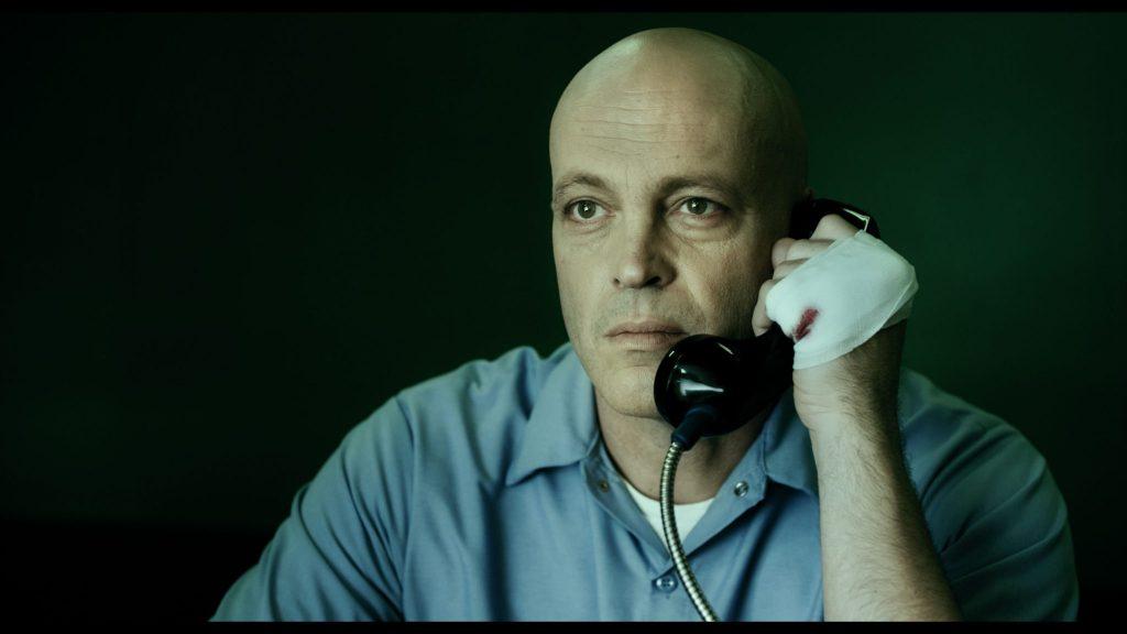 Alles, was er will, ist mit seiner Frau zu telefonieren, um zu wissen, dass es ihr gut geht. Brawl in Cell Block 99 © Universum Film