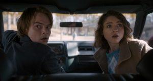 Charlie Heaton und Natalia Dyer in Stranger Things