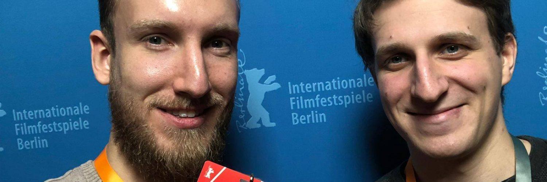 """Chris (links) und Stefan bei der Berlinale. Bei unserem Podcast """"Filmfrühstück - Ein Toast auf den Film"""" könnt ihr nun regelmäßig von ihnen hören."""
