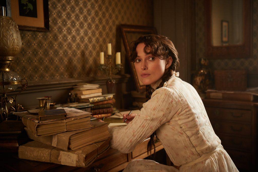Colette (Keira Knightley) beginnt mit dem Schreiben ©DCM Film Distribution