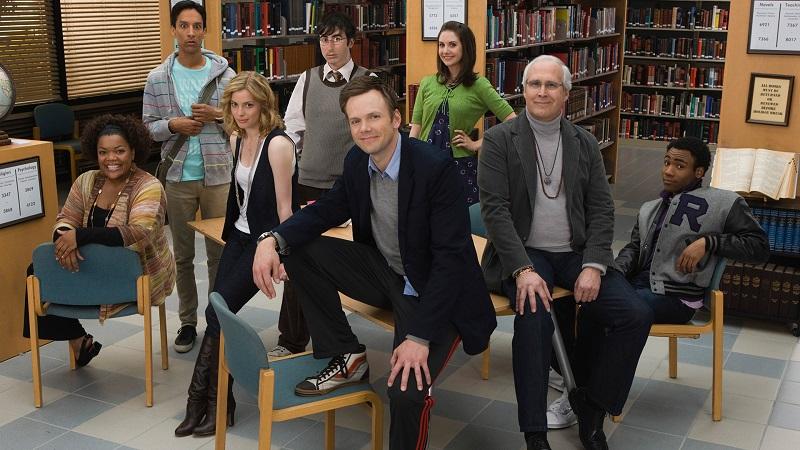 Die Darsteller von Community posieren für die Kamera - Neu auf Netflix im April 2020