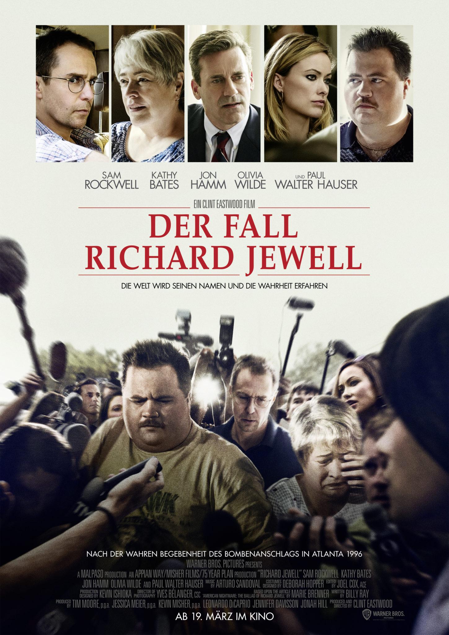 """Das Plakat zu """"Der Fall Richard Jewell"""" zeigt Richard und seinen Anwalt (Sam Rockwell) umringt von Reportern ©Warner Bros."""