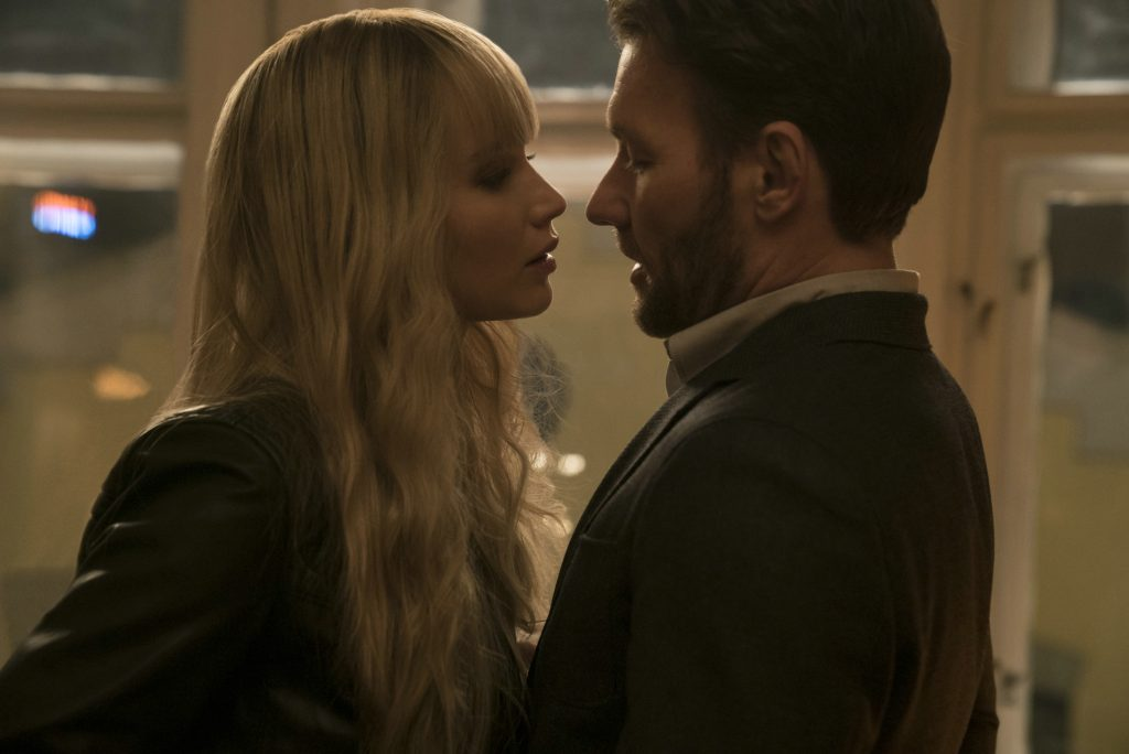 """Kommen sich näher: Jennifer Lawrence und Joel Edgerton in """"Red Sparrow"""" © Twentieth Century Fox"""