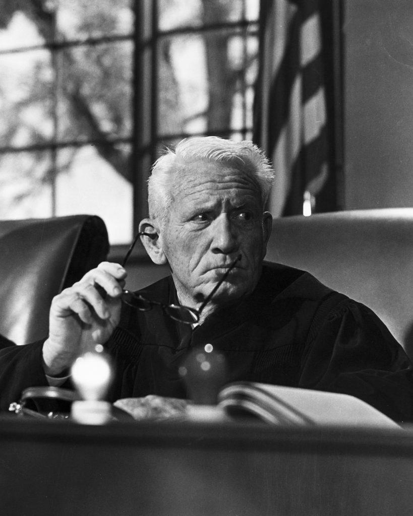 Richter Haywood (Spencer Trace) steht vor einem ausufernden Gerichtsprozess. | DAS URTEIL VON NÜRNBERG © Capelight Pictures