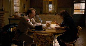 David Harbour und Winona Ryder in Stranger Things