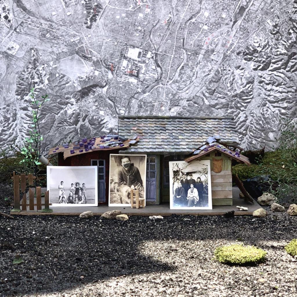 Künstler bauen kleine Modelle echter Wohnhäuser nach in Irradiés
