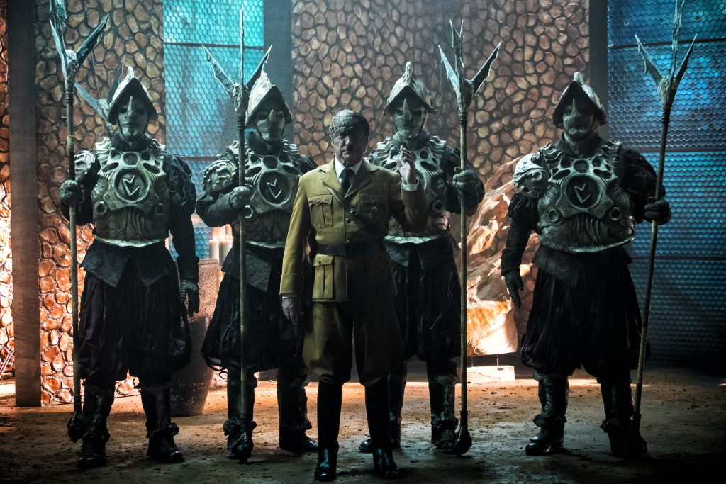 Der Trailer spoilert ihn schon: Hitler als Echsenmensch in Iron Sky: The Coming Race © splendid film