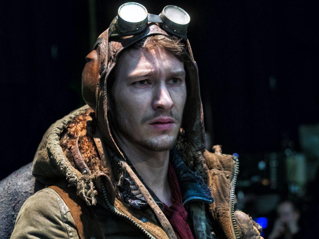 Der chaotische Pilot Sasha (Vladimir Burlakov) in Iron Sky The Coming Race © splendid film