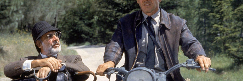 Harrison Ford und Sean Connery sitzen gemeinsam auf dem Motorrad