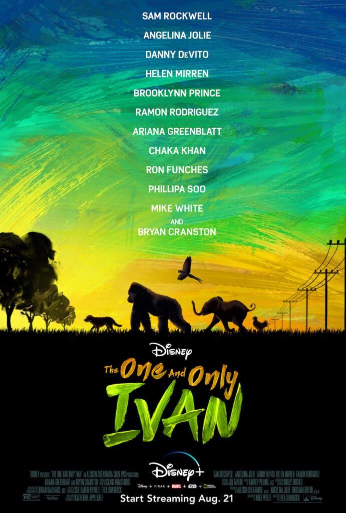 """Das internationale Filmplakat zu """"Der einzig wahre Ivan"""" ist ein farbenfroher Mix. Im unteren Drittel ist eine dunkele Fläche auf der der Originaltitel """"The One and Only Ivan"""" in orange und speziell der Name """"Ivan"""" in einem hellen grün steht. An der oberen Kante dieser Fläche erkennt man fünf Silhouetten. Diese gehen bzw. fliegen von rechts nach links. An der Spitze erkennt man einen Hund, darauf folgend einen Gorilla, einen kleinen Elefanten und ein Huhn. In der Luft zwischen dem Gorilla und dem Elefanten fliegt ein Papagei. Im Hintergrund erkennt man links am Rand Bäume und rechts Hochleitungsmasten. Der Himmel im Hintergrund ist sehr farbenprächtig in gelb-orange, hellgrün und blau gehalten."""