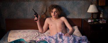 Das kindliche Aussehen Carlitos' täuscht in Der schwarze Engel © Koch Films