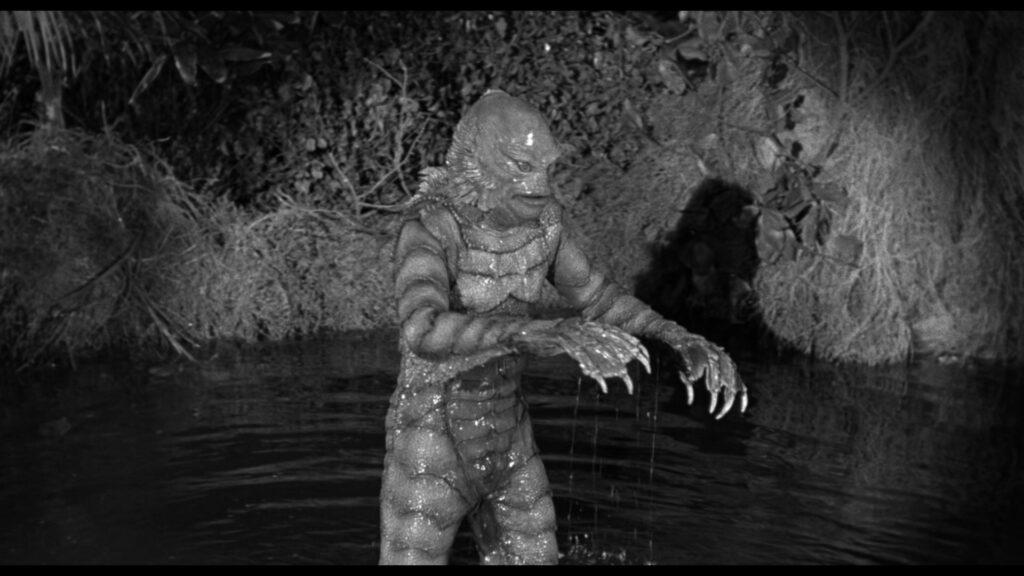 Der Kiemenmensch stapft nächtens durch den Fluss - Universal Horror Filme