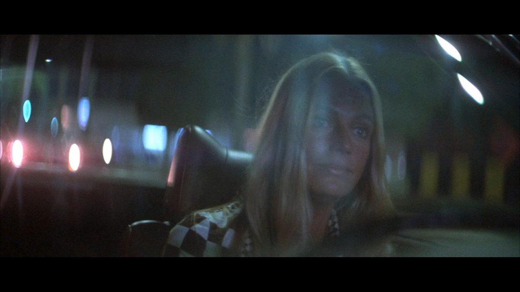"""Nina Pallandt lenkt das Geschehen in """"Der Tod kennt keine Wiederkehr"""" © Koch Films"""