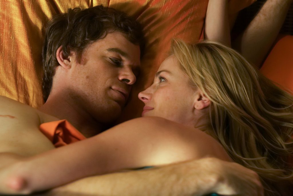 Dexter Morgan (Michael C. Hall) und Rita Bennett (Julie Benz) sind ein traumhaftes Paar in Dexter