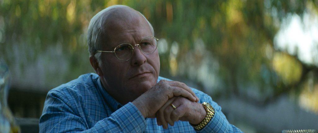 Dick Cheney wägt seine Entscheidungen sorgfältig ab in Vice - Der zweite Mann @ 2018 Universum Film
