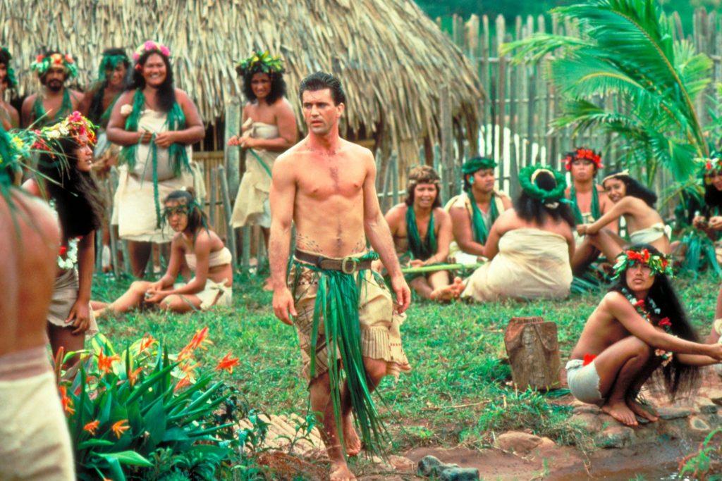 Christian (Mel Gibson) findet Gefallen am unbeschwerten Insulanerleben. | DIE BOUNTY © Capelight Pictures