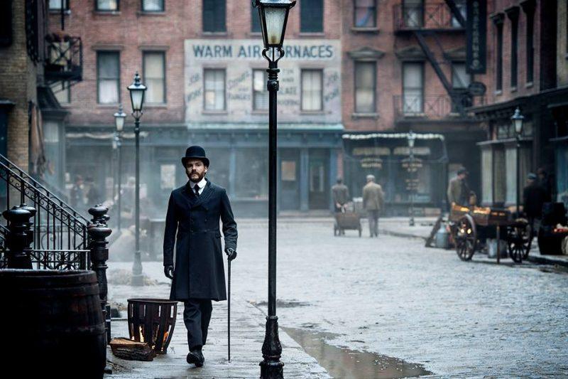 """Daniel Brühl als Forensiker in """"Die Einkreisung"""" © Netflix"""