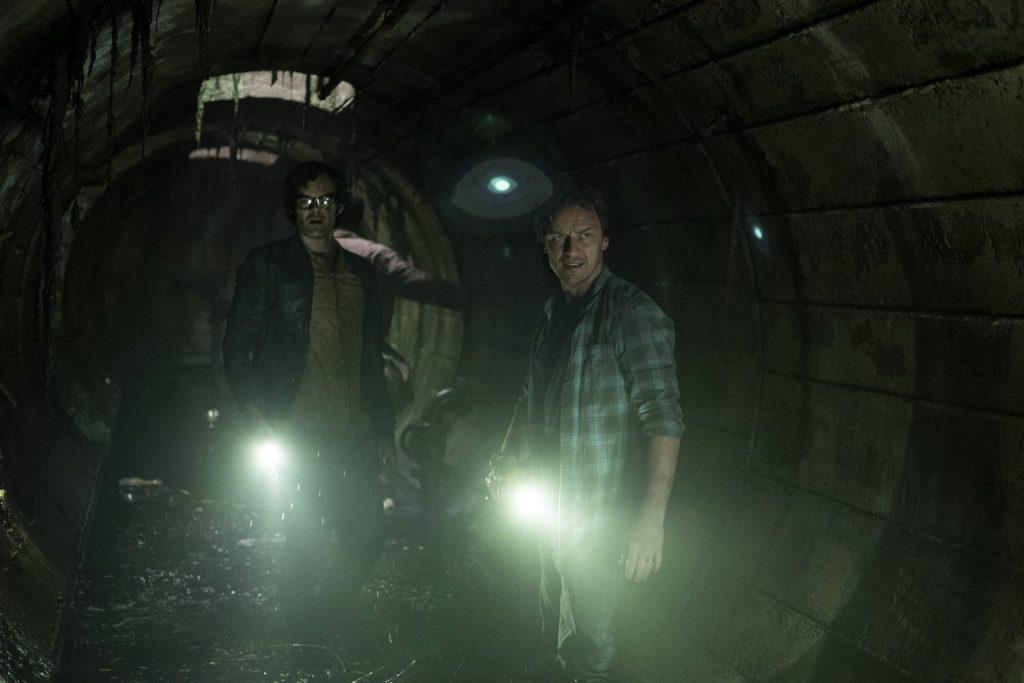 Bill (Jams McAvoy) und Richie (Bill Hader) auf der Suche nach Pennywise in ES Kapitel 2