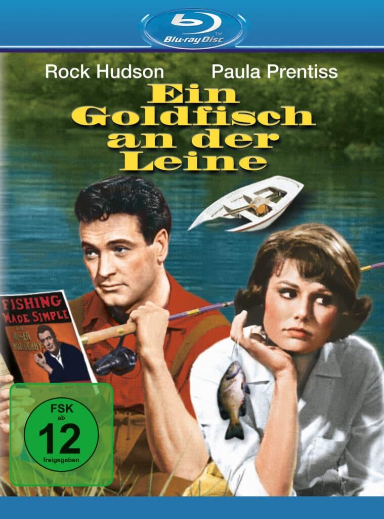 Das Cover der Blu-ray von Ein Goldfisch an der Leine zeigt Rock Hudson als Roger Willoughby und Paula Prentiss als Abigail Page nebeneinander sitzend. Hudson hat eine Angelrute über die Schulter gelegt und studiert seinen eigenen Angelratgeber, während Prentiss skeptisch zur anderen Seite blickt. Im Hintergund versinkt ein Ruderboot.