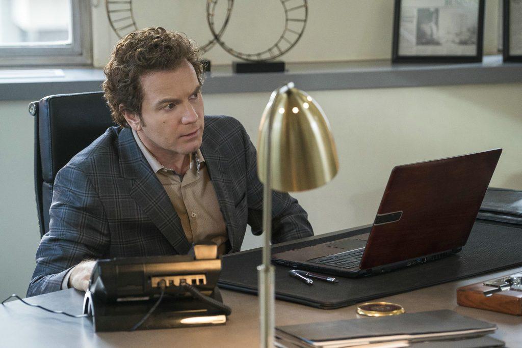 Ewan McGregor als Emmit Stussy in Fargo - Staffel 3