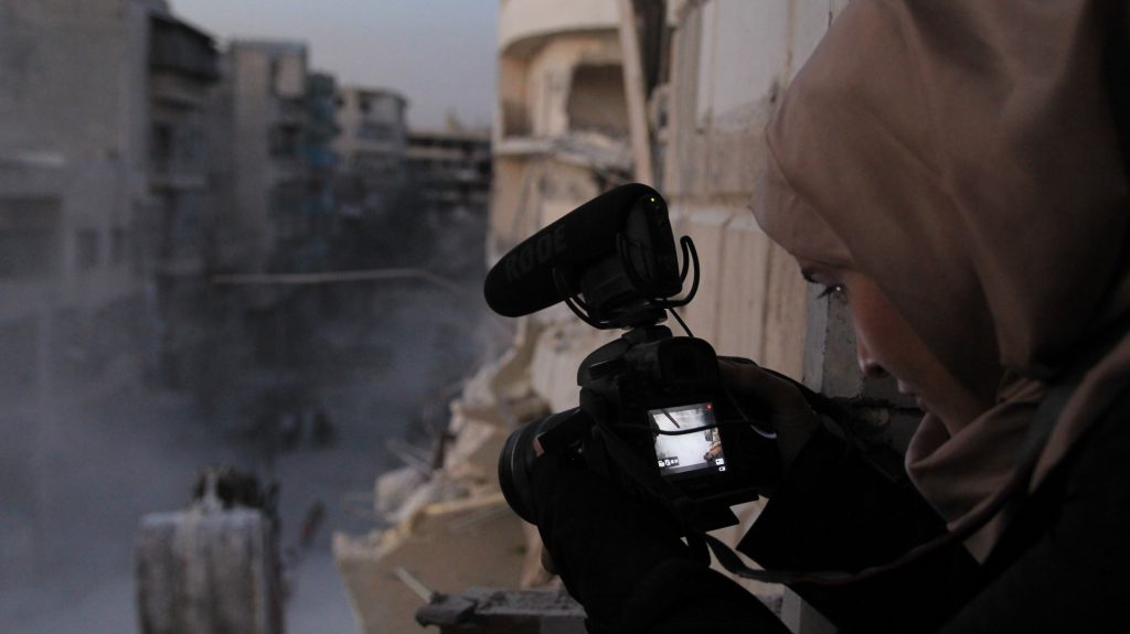 """Ausschnitt aus der Syrien-Dokumentation """"For Sama"""""""