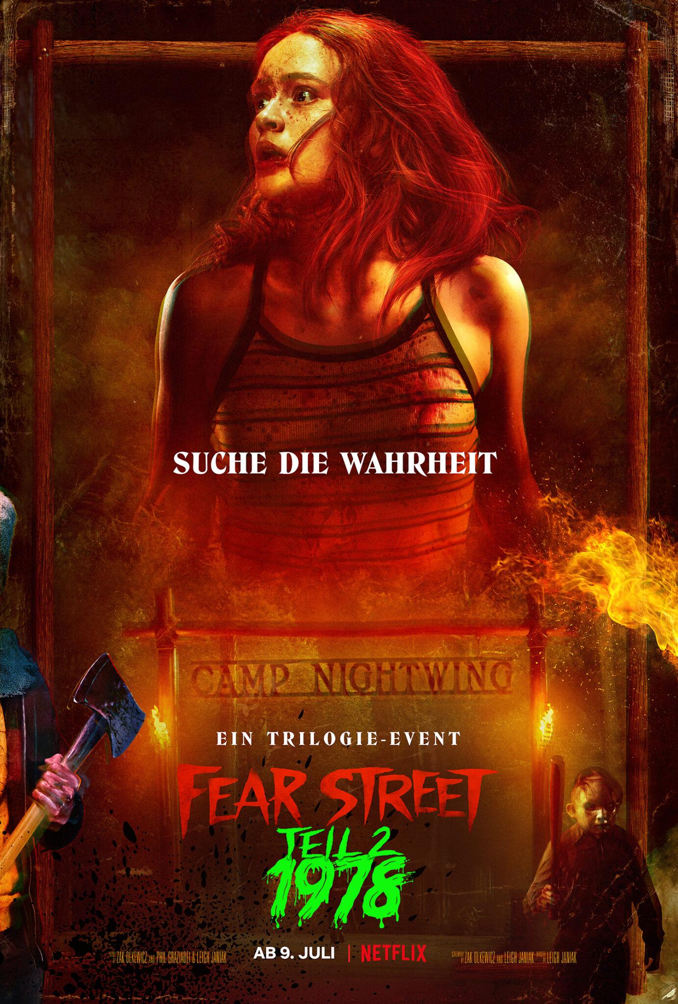 """Das Plakat zu Teil 2 zeigt die Protagonistin Ziggy Berman in groß mit blutverschmiertem, erschrockenem Gesicht. Unten sieht man den Titel """"Fear Street - Teil 2: 1987"""" in auffälliger, bunter Schrift."""